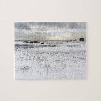 Paysage marin mousseux pâle d'océan, Islande Puzzle