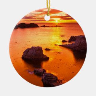 Paysage marin orange, coucher du soleil, la ornement rond en céramique