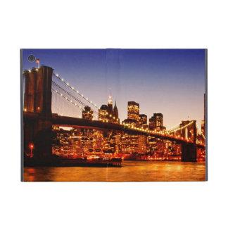 Paysage urbain de New York avec le pont au-dessus  Étuis iPad Mini