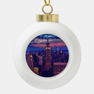 Paysage urbain de New York la nuit Boule En Céramique