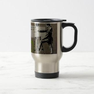 Peintre au travail tasse à café