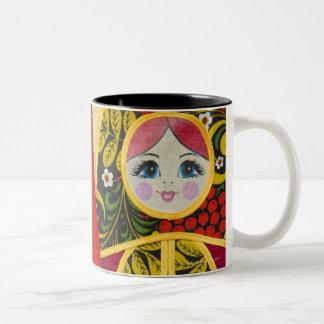 Peinture de poupée de Matryoshka de Russe Mug Bicolore