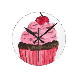 Peinture pour aquarelle de petit gâteau rose horloge ronde