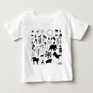 peintures de caverne - art primitif t-shirt pour bébé