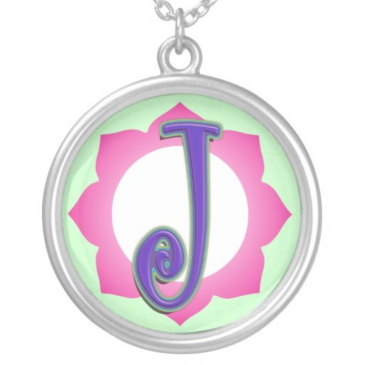 Pendentif initial de J