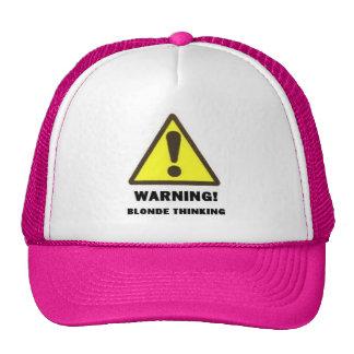 pensée blonde casquette de camionneur