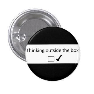 Pensée en dehors de la boîte badge