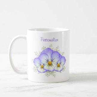 Pensées pourpres avec le nom mug