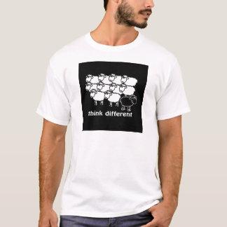 Pensez différent - diferente de Pense T-shirt