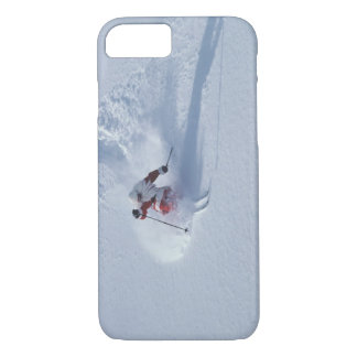 Père Noël skiant à la station de sports d'hiver de Coque iPhone 7