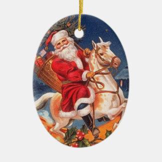 Père Noël vintage sur un ornement de cheval de