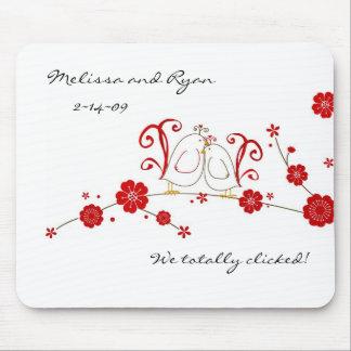 Perruches et tapis de souris de fleurs de cerisier