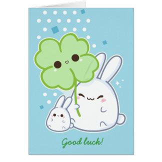 Personnalisé - lapin blanc mignon avec le trèfle carte de vœux