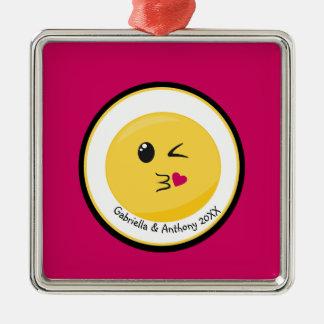 Personnalisé soufflant un ornement d'Emoji d'amour