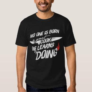Personne est né un grand cuisinier t-shirts