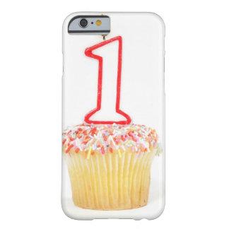 Petit gâteau avec une bougie numérotée 10 coque barely there iPhone 6