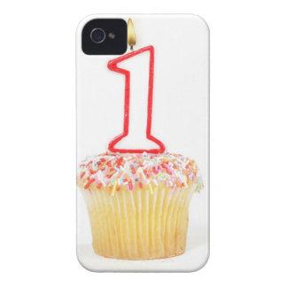 Petit gâteau avec une bougie numérotée 10 coque iPhone 4