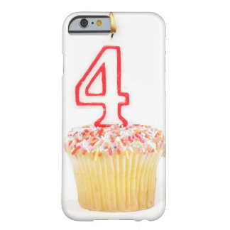 Petit gâteau avec une bougie numérotée 2 coque iPhone 6 barely there