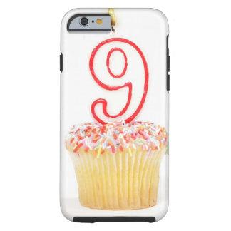 Petit gâteau avec une bougie numérotée 3 coque iPhone 6 tough