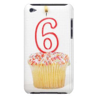 Petit gâteau avec une bougie numérotée 4 coque Case-Mate iPod touch