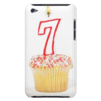 Petit gâteau avec une bougie numérotée 7 étuis barely there iPod