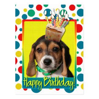 Petit gâteau d'anniversaire - chiot de beagle - carte postale