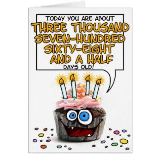 Petit gâteau de joyeux anniversaire - 10 années carte de vœux