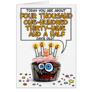 Petit gâteau de joyeux anniversaire - 11 années carte de vœux