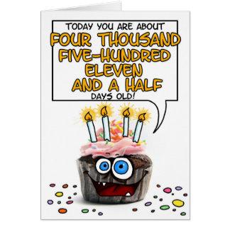 Petit gâteau de joyeux anniversaire - 12 années carte de vœux