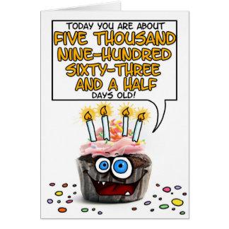 Petit gâteau de joyeux anniversaire - 16 années carte de vœux