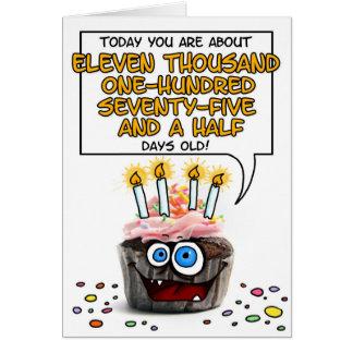 Petit gâteau de joyeux anniversaire - 30 années carte de vœux