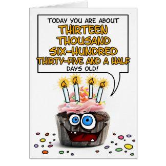 Petit gâteau de joyeux anniversaire - 37 années carte de vœux