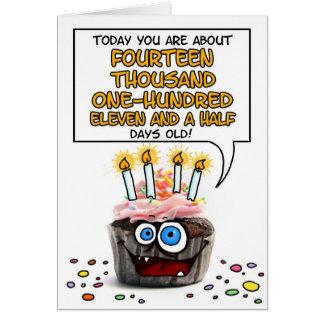 Petit gâteau de joyeux anniversaire - 38 années carte de vœux