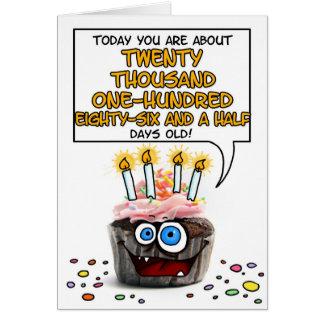 Petit gâteau de joyeux anniversaire - 55 années carte de vœux