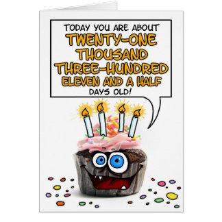 Petit gâteau de joyeux anniversaire - 58 années carte de vœux