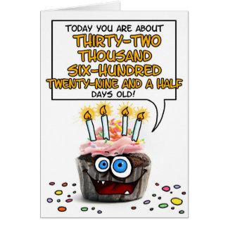 Petit gâteau de joyeux anniversaire - 89 années carte de vœux