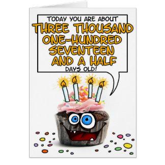 Petit gâteau de joyeux anniversaire - 8 années carte de vœux