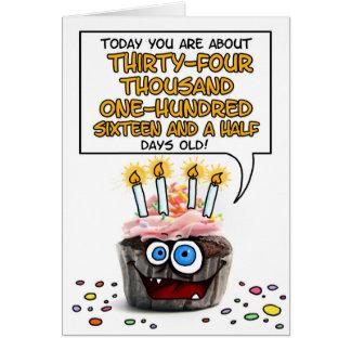 Petit gâteau de joyeux anniversaire - 93 années carte de vœux