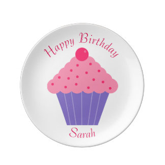 Petit gâteau de joyeux anniversaire assiettes en porcelaine