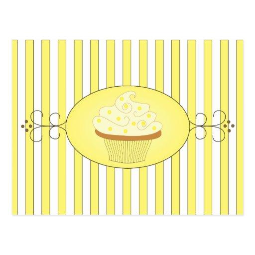 Petit gâteau jaune cartes postales