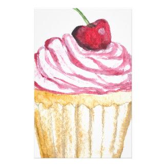 Petit gâteau rose avec la cerise papier à lettre personnalisé