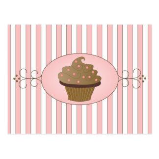 Petit gâteau rose carte postale