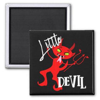 Petit graphique drôle mignon de diable rouge aimant