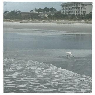 Petit héron sur la plage serviette en tissu