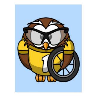 Petit hibou animated mignon de cycliste carte postale