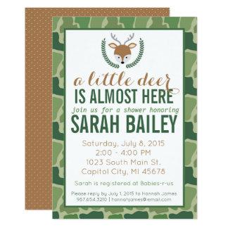 Petit invitation vert de baby shower de cerfs