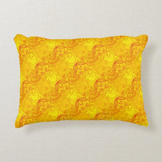 Petit motif jaune ensoleillé de Mlle Sunshine | Coussins Décoratifs