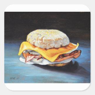 Petit pain anglais de jambon, d'oeufs et de sticker carré