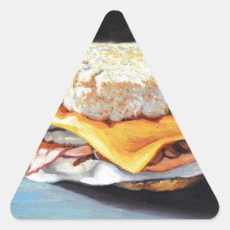Petit pain anglais de jambon, d'oeufs et de sticker triangulaire