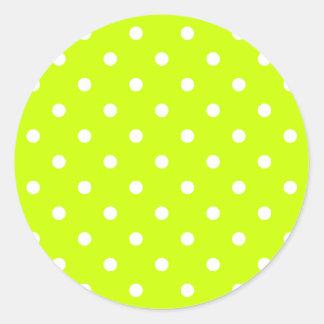 Petit pois - blanc sur le jaune fluorescent sticker rond